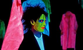VIDEO. The Cure - Close To Me