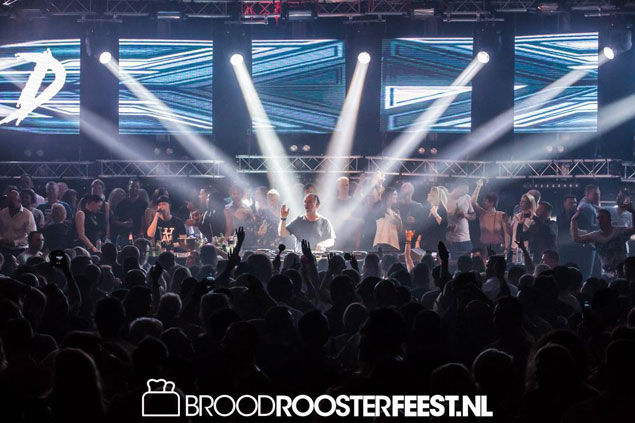 Broodroosterfeest in Cruise Terminal