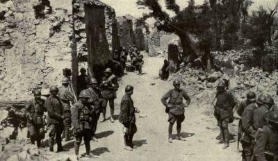 Italiaanse troepen bij de rivier de Isonzo.