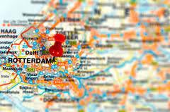 De ontwikkeling van de werkgelegenheid in de Rijnmond steekt relatief gunstig af bij die in Zuid Holland en de rest van Nederland. llustratie MKB-Rotterdam