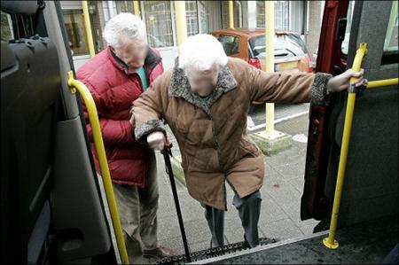 Het gloedvol betoog, die dag, van Steve Stevaert pro 'gratis openbaar vervoer', heeft wel resultaat gehad.… voor 65 plussers in Rotterdam. Voor hen is het openbaar vervoer in Rotterdam sindsdien gratis.