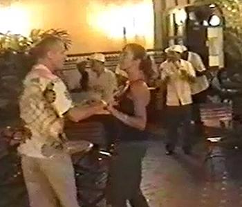 Op elke straathoek van Havana wordt live muziek gemaakt.