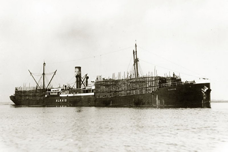 De ss Alkaid was op 31 juli 1914 al in Sint Petersburg, maar kon de lading kolen pas op 22 augustus lossen. Door die vertragingen – ook bij andere schepen - werden de voordelen van de hoge vrachtprijzen weer deels teniet gedaan.