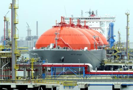 Je zou denken dat de overheid alle aandacht op Rotterdam zou richten om een belangrijke Europese speler op de LNG-doorvoermarkt te worden. Foto: Port of Rotterdam