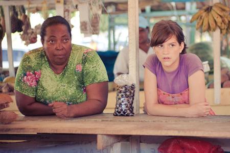Het avontuur van het meisje dat alleen achterblijft ergens op het platteland van Brazilië, begint. Foto's: International Film Festival Rotterdam