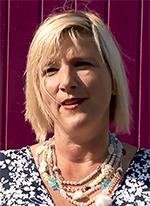 Voorzitter van het Stadsinitiatief Marianne van den Anker maakte de zes finalisten bekend.