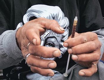 Alleen enkele rijke yuppen uit die tijd konden zich de zwaardere drugs heroïne en cocaïne permitteren.