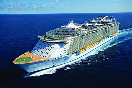 Eind september krijgt Rotterdam bezoek van het omvangrijkste cruiseschip van dit moment, de Oasis of the Seas.