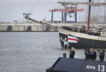 De opening werd verricht door minister Schults van Haegen. Foto: Bart Maat