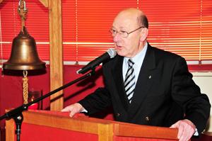 Voorzitter Cees de Keijzer van de World Ship Seciety Rotterdam. Foto en de kleine foto bij de inleiding: Rinus Vuik