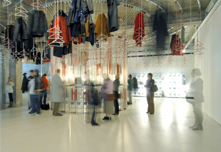 De garderobe 'Merry-go-round coat rack' van Studio Wieki Somers. Foto: Boijmans Van Beuningen