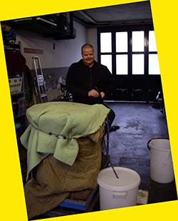 ´Technoleut´ Ron heeft de grote pan net in dekens ingepakt.