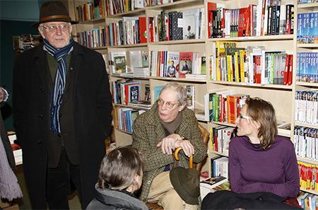 Onder de aanwezigen waren Rien Vroegindeweij (l.), Peter Bulthuis en (r.) Wiepkje Spoelstra