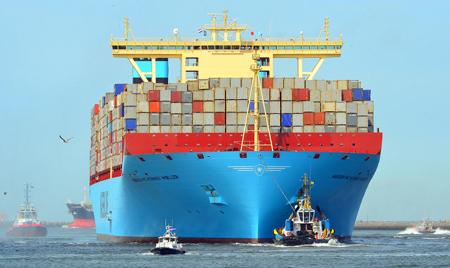 De Mærsk Mc-Kinney Møller is zaterdagochtend (17 augustus) al weer vetrokken naar Bremerhaven, een andere haven in Noordwest Europa die moeite heeft de schepen vol beladen te ontvangen.