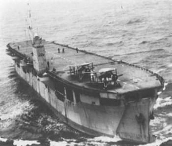 De Macoma als 'Merchant Aircraft Carrier' gedurende de Tweede Wereldoorlog.