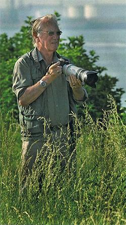 Kort na de presentatie van het boek werd bekend dat één van de fotografen, Bram Plokker is overleden.