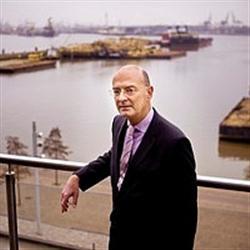 Albert Thissen, voorzitter van de Vereniging Rotterdamse Cargadoors: ,,Het Havenbedrijf heeft opnieuw laten zien oog te hebben voor de moeilijke situatie waarin de markt zich bevindt.