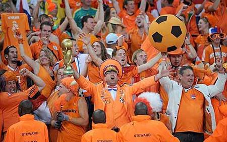 Bij de toeschouwers en in heel Nederland heerste de overtuiging: 'Nú of nooit!'