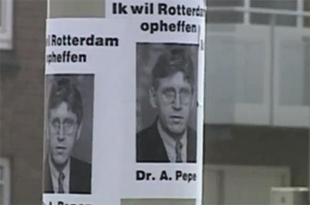De 'Stadspartizaan' die het portret van Peper met als onderschrift 'Ik wil Rotterdam opheffen!' kwistig her en der in Rotterdam had opgeplakt onderhield nauw contact met de groep 'Red Rotterdam'.
