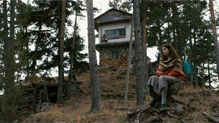 Videostill uit de film 'The Watchtower'.