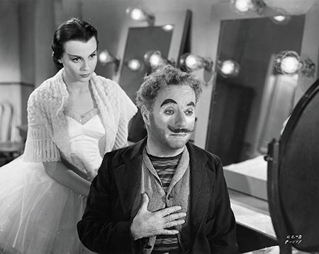 Charles Chaplin en Claire Bloom in de film Limelight uit 1952.
