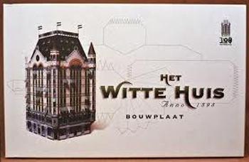 En natuurlijk bestaat ook het Witte Huis in kartonnen vorm.