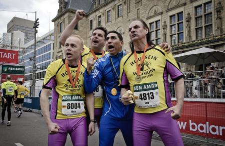 Bijna vier miljoen heeft 'De Marathon' nu al opgebracht terwijl er 2,7 miljoen is ingestopt. Geheel rechts Martin van Waardenberg. Foto's: Filmdepot