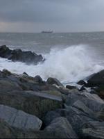 Een indruk van de 'harde zeewering' die is hergebruikt voor de bescherming van Maasvlakte 2.