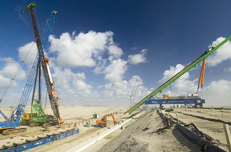 Prachtig beeld van de kadebouw voor de Maasvlakte 2. Foto's Havenbedrijf Rotterdam