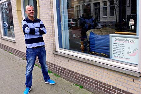 Patrick van Straten: 'Er waren vele bijstandsgerechtigden uit alle delen van Rotterdam, ook hier uit de Provenierswijk.'