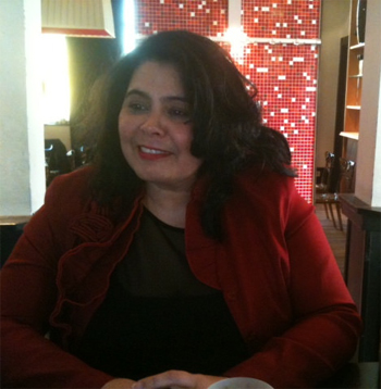 Vorige maand werd ik door Rabella de Faria opgebeld. Blij verrast was ik dat zij mij vroeg op de lijst van haar nieuwe partij te komen staan: de Rotterdamse Ouderen Partij.