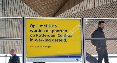 Deze keer had de NS op tijd aangekondigd in de media en bij het station zelf via billboards dat per 1 mei de poortjes definitief zouden sluiten. Foto's: Rinus Vuik