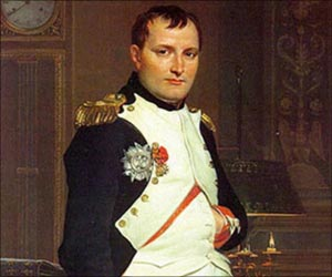 """Over Napoleon worden nog steeds boeken geschreven. Iemand die zegt: ,,Dat mag niet. Napoleon is dood en kan zich niet verdedigen,"""" dient als niet goed bij zijn hoofd te worden beschouwd."""
