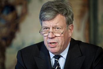 Opstelten in december 2005: 'De 'Rotterdamwet' is voor mij het bewijs dat je als gemeente samen met het Rijk heel veel kunt bereiken.