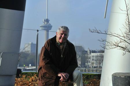 De huidige rechtmatige eigenaar van het gipsen model van 'De verwoeste stad', kunstverzamelaar Koos van der Schelling, heeft rechtszaken over het model gewonnen. Foto's: Rinus Vuik